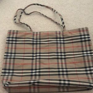 Medium Burberry London Tote